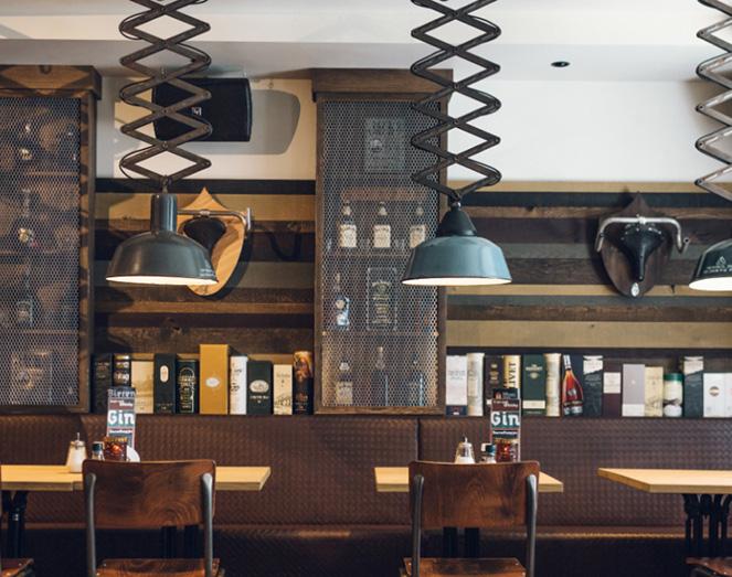 Horeca interieur inrichting publieke werken door meuviro for Interieur 05 nl