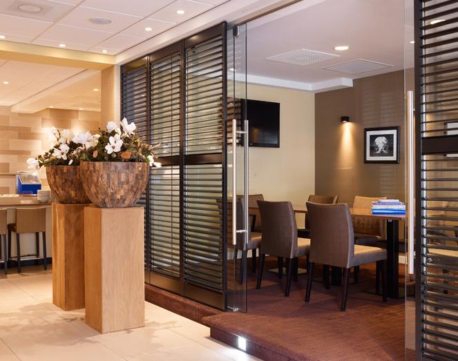 Horeca interieur ontwerp holiday inn express amsterdam for Interieur ontwerp